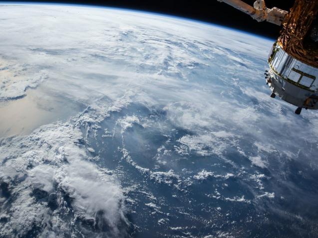 satellite-1030779_1280
