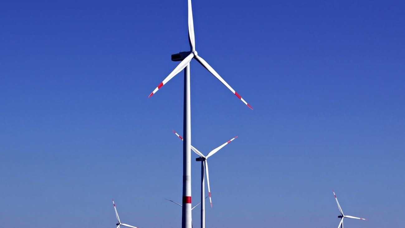 wind-power-3767886_1280