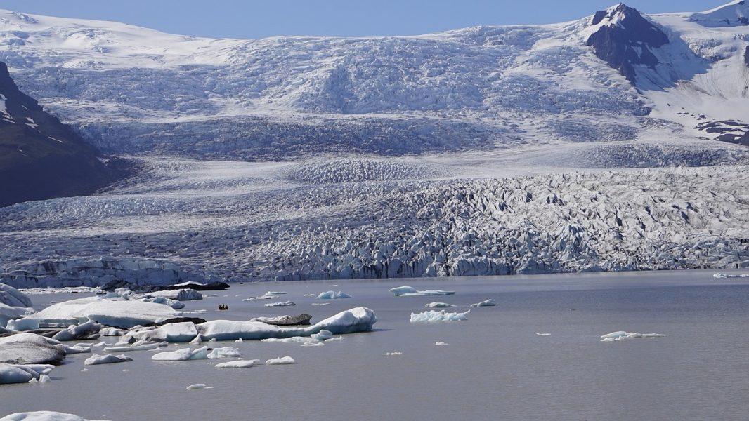 glacier-904925_1280