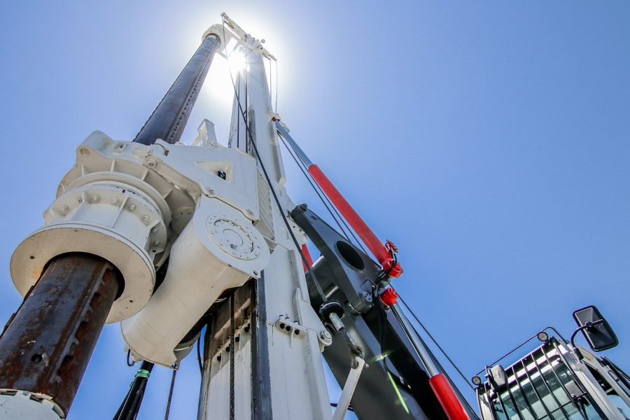 piling-rig-4429042_1280
