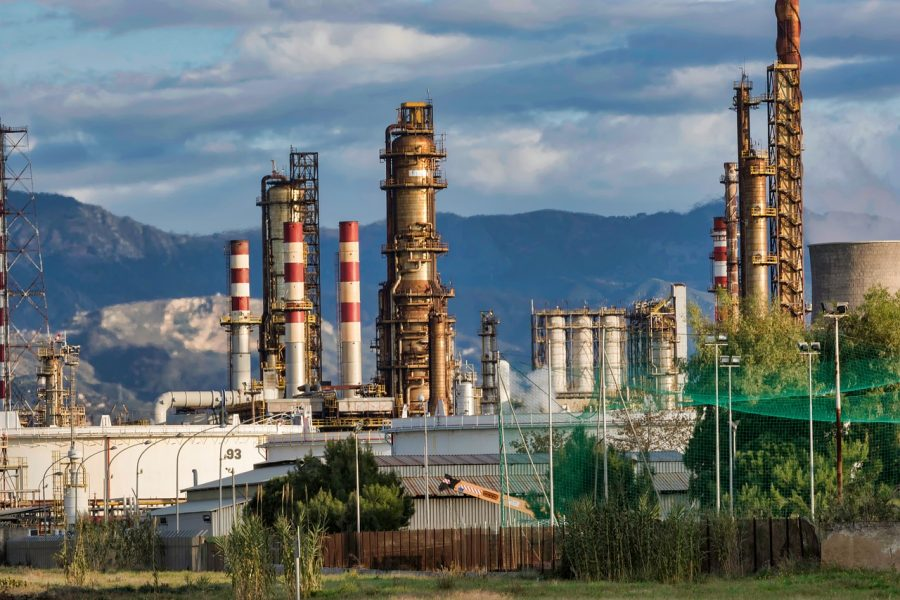 refinery-3400043_1280